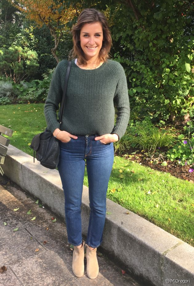 Mathilde lleva un look informal.